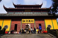 Lý do nhà giàu Trung Quốc kén trai nghèo làm con rể