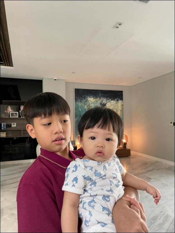 Được cưng chiều hết mực, công chúa Suchin nhà Cường Đô La vẫn sớm được dạy cho tính tự lập, nhiều mẹ cũng đang áp dụng cho con-5