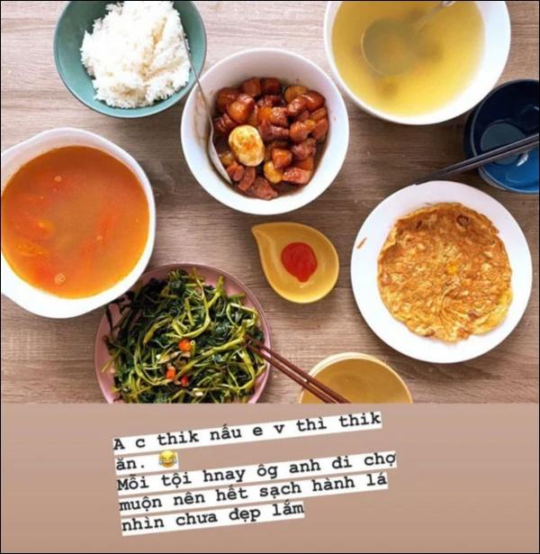 Làm dâu hào mônPhanh Lee vẫn đích thân vào bếp nấu ăn, xem ra ngày càng đảm đang lại chịu khó bày biện đẹp mắt-5
