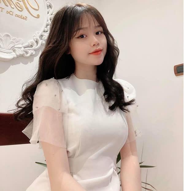Bồ cũ Quang Hải công khai ảnh da đầy mụn trước đây, netizen sửng sốt vì thay đổi ngỡ ngàng-1