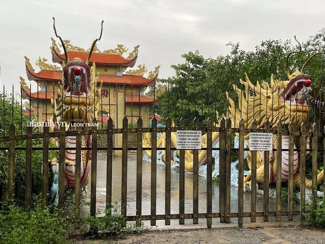 Nhà thờ Tổ cửa đóng then cài im lìm vắng vẻ giữa lùm xùm vụ 14 tỷ từ thiện của Hoài Linh-1