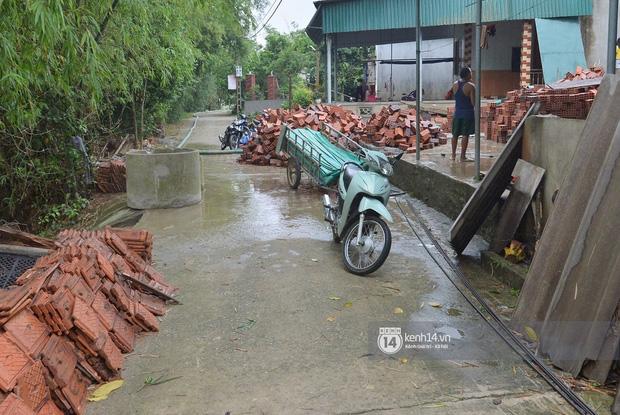 Người dân vùng lũ Hà Tĩnh nói về khoản 13,7 tỷ quyên góp của NS Hoài Linh: Khi nước rút được vài ngày là lúc chúng tôi cần cứu trợ nhất, một nắm khi đói bằng một gói khi no-3