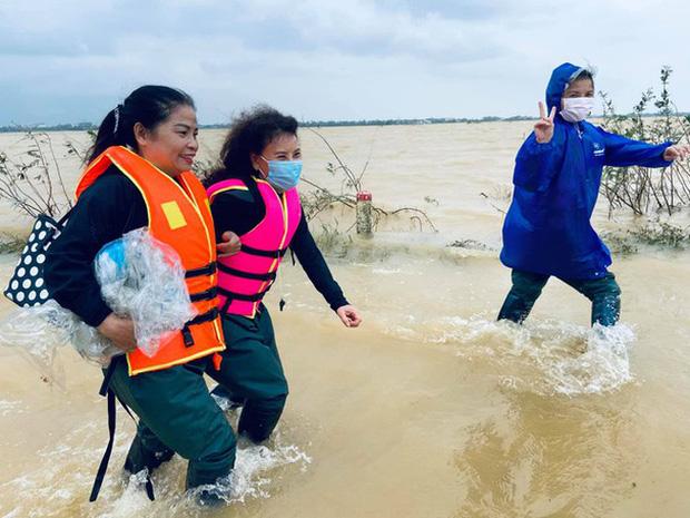 Mẹ Hà Hồ cuối cùng đã nói rõ về chuyện Trấn Thành chuyển 6,45 tỷ tiền cứu trợ miền Trung kèm hình ảnh, thông tin minh bạch-6