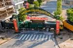 Bắc Giang: Người phụ nữ theo hội Thánh đức chúa trời là F1 không chịu đi cách ly, cảnh sát dùng xe thang tiếp cận-3