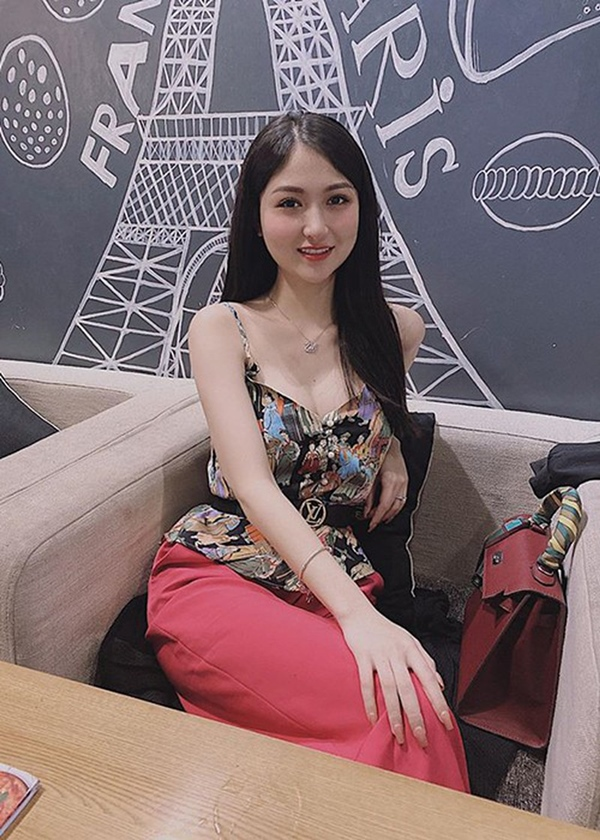 Chỉ đóng vai quần chúng nhưng cô gái này vẫn nổi bật khi đọ sắc Bảo Thanh, Quỳnh Nga trong Về nhà đi con-6