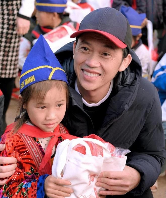 Phi Thanh Vân: Anh Hoài Linh rất bận, thời gian ăn ngủ không có, mong mọi người nhìn bằng con mắt từ tâm-2