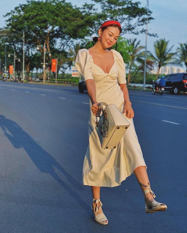 Ngắm bộ sưu tập váy đồ sộ của Thanh Hằng, nàng 30+ nhắm được nhiều kiểu trẻ trung và ghi trọn điểm sang chảnh-10