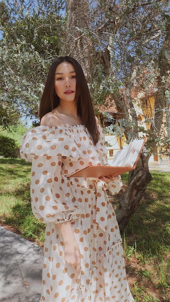 Ngắm bộ sưu tập váy đồ sộ của Thanh Hằng, nàng 30+ nhắm được nhiều kiểu trẻ trung và ghi trọn điểm sang chảnh-4