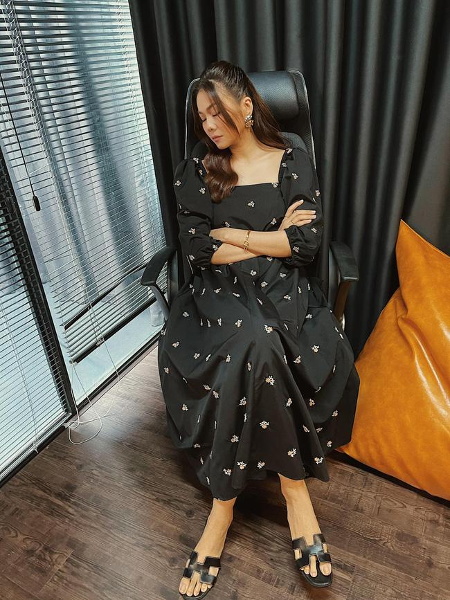 Ngắm bộ sưu tập váy đồ sộ của Thanh Hằng, nàng 30+ nhắm được nhiều kiểu trẻ trung và ghi trọn điểm sang chảnh-5