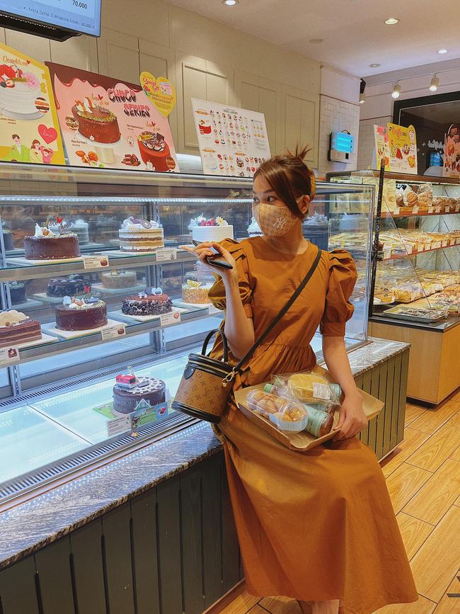 Ngắm bộ sưu tập váy đồ sộ của Thanh Hằng, nàng 30+ nhắm được nhiều kiểu trẻ trung và ghi trọn điểm sang chảnh-6