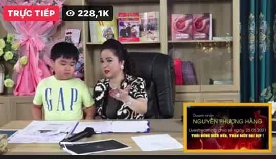 Vừa đặt lịch livestream tối 29/5, fanpage chính thức của bà Phương Hằng bỗng dưng bốc hơi giữa đêm-3