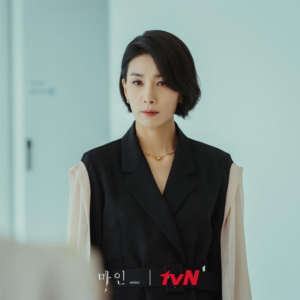4 kiểu tóc ngắn hot nhất trong phim Hàn nửa đầu năm 2021: Toàn những kiểu giúp sang cả khuôn mặt-13