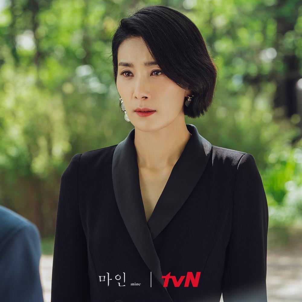 4 kiểu tóc ngắn hot nhất trong phim Hàn nửa đầu năm 2021: Toàn những kiểu giúp sang cả khuôn mặt-14
