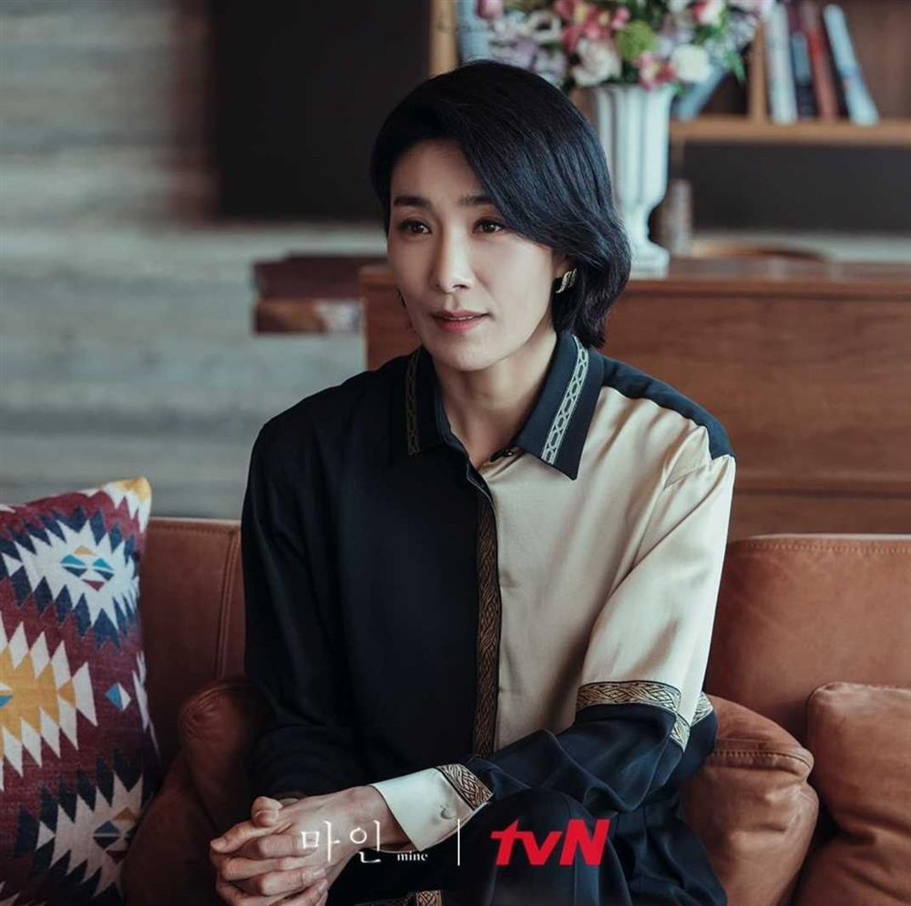 4 kiểu tóc ngắn hot nhất trong phim Hàn nửa đầu năm 2021: Toàn những kiểu giúp sang cả khuôn mặt-16