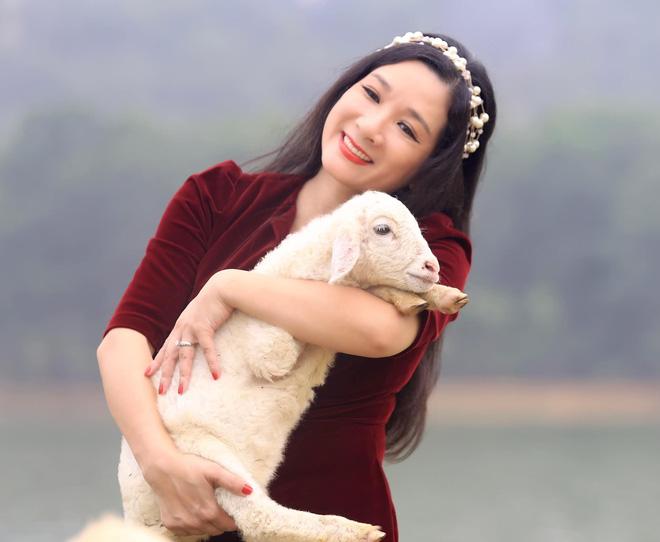 Sau khi ly hôn con trai danh ca Chế Linh, cuộc sống của Thanh Thanh Hiền ở tuổi 52 hiện ra sao?-8
