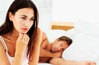 Ngạt thở với ông chồng mỗi năm làm chuyện ấy.... 3 lần còn đủ thói xấu