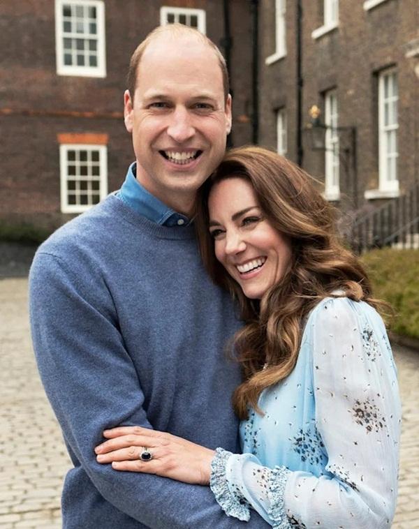 Công nương Kate được ca ngợi là viên ngọc quý của hoàng gia, khiến Meghan Markle phải nhìn lại vì sao mình lại bị xua đuổi đến vậy-1