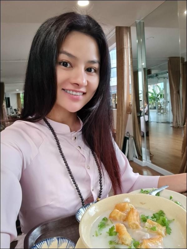 Siêu mẫu Vũ Thu Phương đảm đang nấu ăn ngày dịch, toàn món ngon đậm đà vị Bắccực hao cơm-2