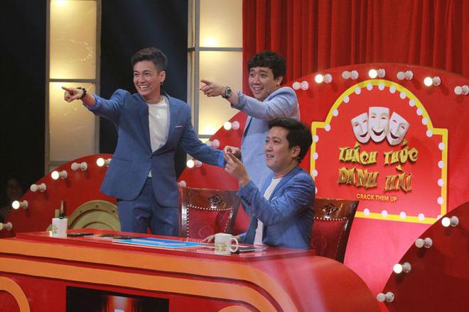 Thách thức danh hài: Chương trình xui xẻo nhất năm, giám khảo Hoài Linh bị đòi thay thế-1