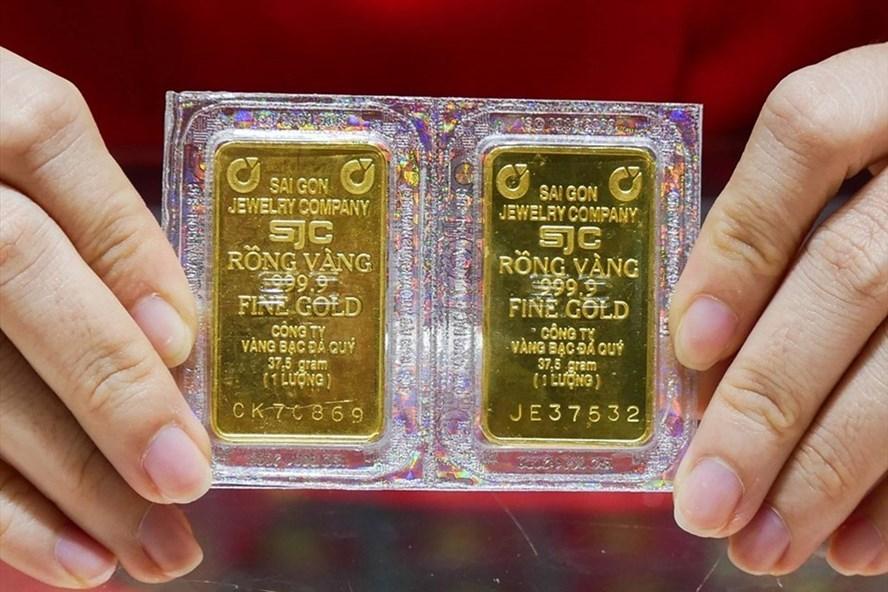 Nhà đầu tư vàng lãi lớn sau 1 năm sóng gió-1