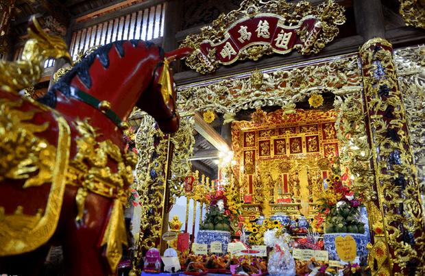 Nhà thờ hơn 100 tỷ của Hoài Linh hàng năm tổ chức lễ Giỗ Tổ sân khấu quy tụ hàng trăm nghệ sĩ,  nuôi động thực vật quý hiếm-3
