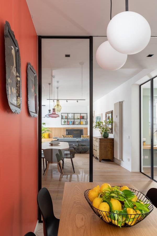 Trang trí nội thất cho gia đình thêm sống động với màu sắc tươi sáng, nhìn tưởng rối mắt mà vẫn sang trọng và cao cấp-12
