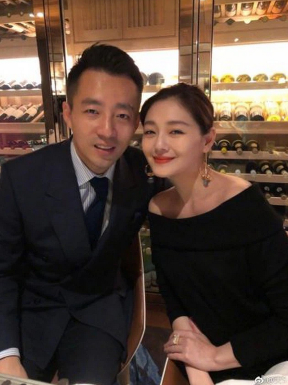 NÓNG: Người đẹp Vườn Sao Băng Từ Hy Viên ly hôn ông xã đại gia sau 10 năm vợ chồng?-1
