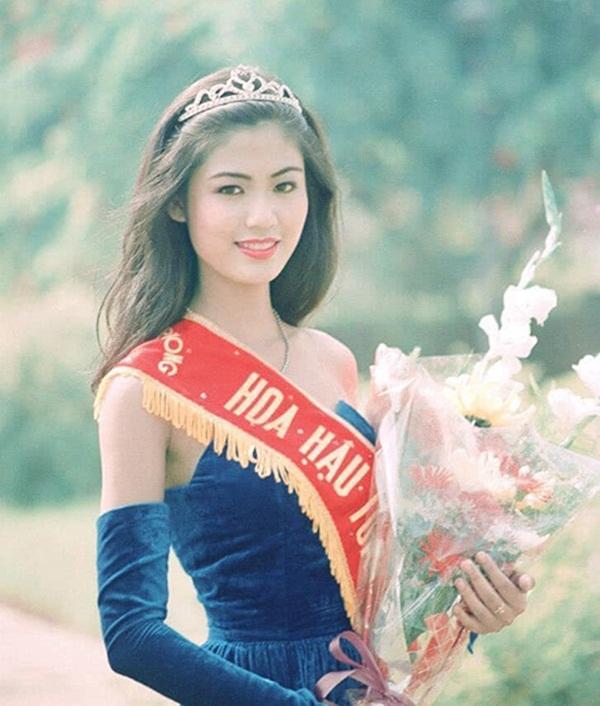 Nuối tiếc khi nhìn lại nhan sắc rực rỡ của Nguyễn Thu Thủy lúc đăng quang Hoa hậu Việt Nam năm 18 tuổi-1