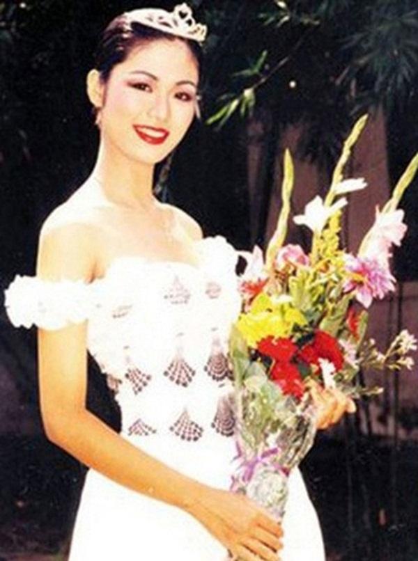 Nuối tiếc khi nhìn lại nhan sắc rực rỡ của Nguyễn Thu Thủy lúc đăng quang Hoa hậu Việt Nam năm 18 tuổi-3