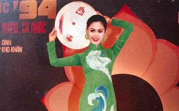 Nuối tiếc khi nhìn lại nhan sắc rực rỡ của Nguyễn Thu Thủy lúc đăng quang Hoa hậu Việt Nam năm 18 tuổi-4