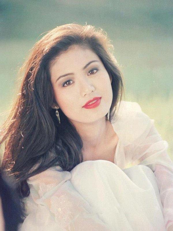Nuối tiếc khi nhìn lại nhan sắc rực rỡ của Nguyễn Thu Thủy lúc đăng quang Hoa hậu Việt Nam năm 18 tuổi-5