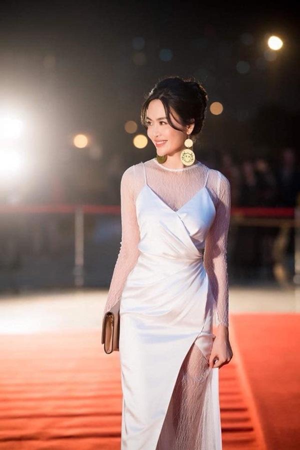 Nuối tiếc khi nhìn lại nhan sắc rực rỡ của Nguyễn Thu Thủy lúc đăng quang Hoa hậu Việt Nam năm 18 tuổi-8