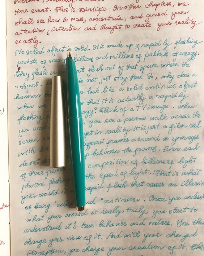 Cuộc sống đời thường của HHNguyễn Thu Thuỷ: Dậy sớm, chạy bộ thường xuyên, thích viết lách và cực đảm đang-8