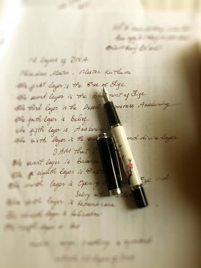 Cuộc sống đời thường của HHNguyễn Thu Thuỷ: Dậy sớm, chạy bộ thường xuyên, thích viết lách và cực đảm đang-10