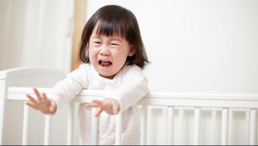 Bố 40 tuổi còn ngủ với mẹ, vì sao con không được?, ông bố câm nín trước câu hỏi của đứa con-3