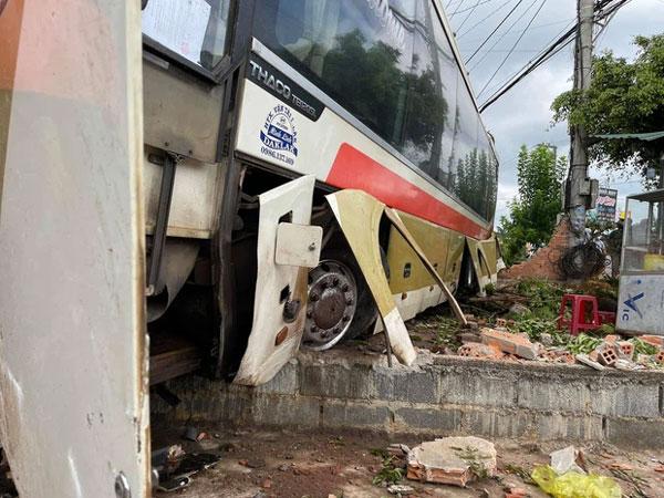 Clip: Tai nạn liên hoàn khiến ít nhất 2 người chết, nhiều người nguy kịch-2
