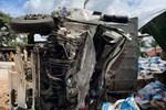 Nhân chứng bàng hoàng kể lại giây phút ô tô tải gây tai nạn liên hoàn khiến ít nhất 7 người thương vong-13