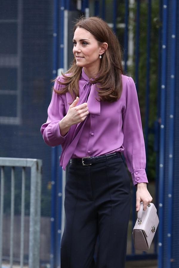 Công nương Kate hay diện đồ đứng dáng quá hóa dừ, nhưng khi mặc 5 items này thì trông tươi trẻ hẳn ra-4