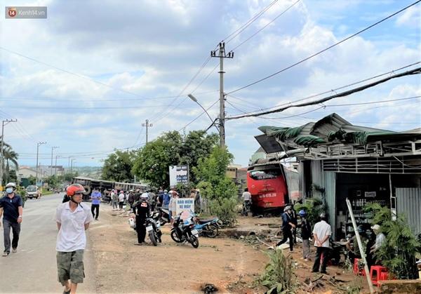 Nhân chứng bàng hoàng kể lại giây phút ô tô tải gây tai nạn liên hoàn khiến ít nhất 7 người thương vong-4