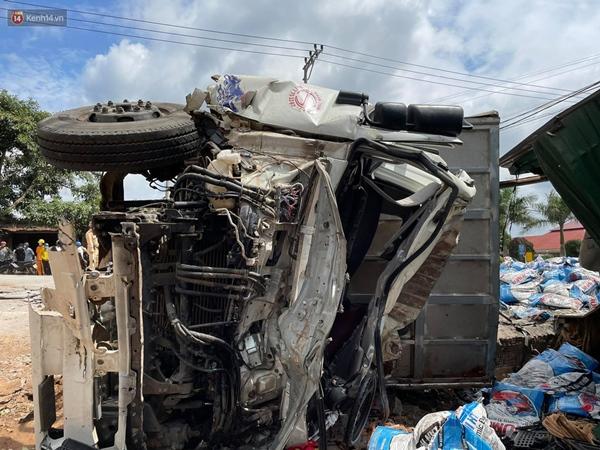 Nhân chứng bàng hoàng kể lại giây phút ô tô tải gây tai nạn liên hoàn khiến ít nhất 7 người thương vong-6