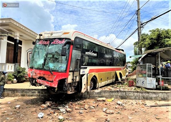 Nhân chứng bàng hoàng kể lại giây phút ô tô tải gây tai nạn liên hoàn khiến ít nhất 7 người thương vong-7