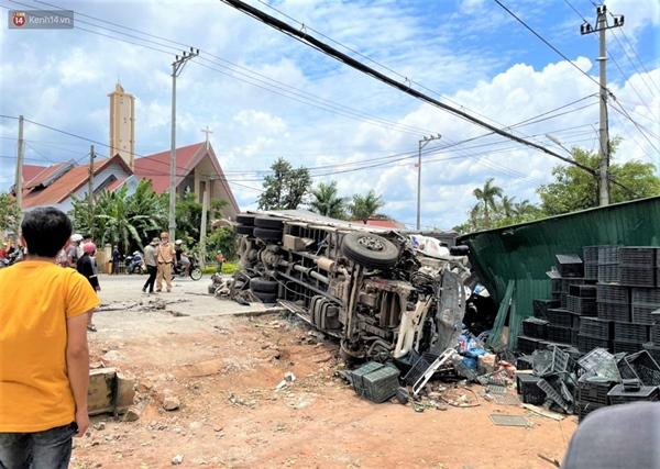 Nhân chứng bàng hoàng kể lại giây phút ô tô tải gây tai nạn liên hoàn khiến ít nhất 7 người thương vong-12