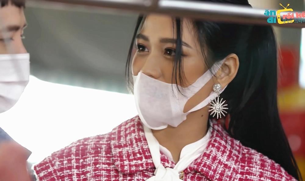 Hoa hậu Đỗ Thị Hà bị chê nói năng cộc lốc trên sóng truyền hình-1