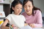 Kết nối tình cảm của bé Bin và con gái riêng của chồng chỉ từ chi tiết nhỏ, Vân Hugo quả là bà mẹ khéo dạy con-6