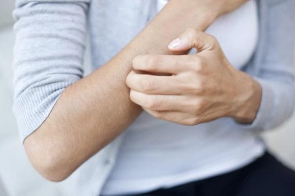 3 dấu hiệu đường huyết cao dễ thấy nhất ở tay chân, dành vài giây kiểm tra để có thể tự cứu lấy mình trong tương lai-2