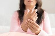 3 dấu hiệu đường huyết cao dễ thấy nhất ở tay chân, dành vài giây kiểm tra để có thể tự cứu lấy mình trong tương lai