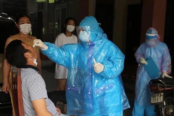 Hà Tĩnh ghi nhận thêm 2 ca dương tính với SARS-CoV-2-1