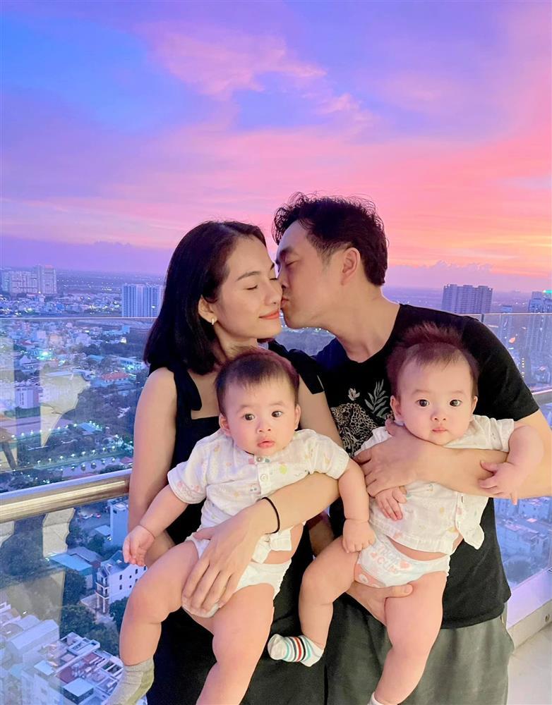Được bác sĩ chọn ngày yêu giúp, vợ chồng nhạc sĩ Dương Khắc Linh chỉ việc làm theo, đậu luôn thai đôi-2