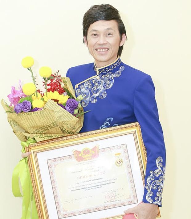 1 nữ ca sĩ Vbiz ủng hộ thu hồi danh hiệu NSƯT của Hoài Linh, ai ngờ sau đó phải đăng đàn bức xúc vì bị tấn công?-4