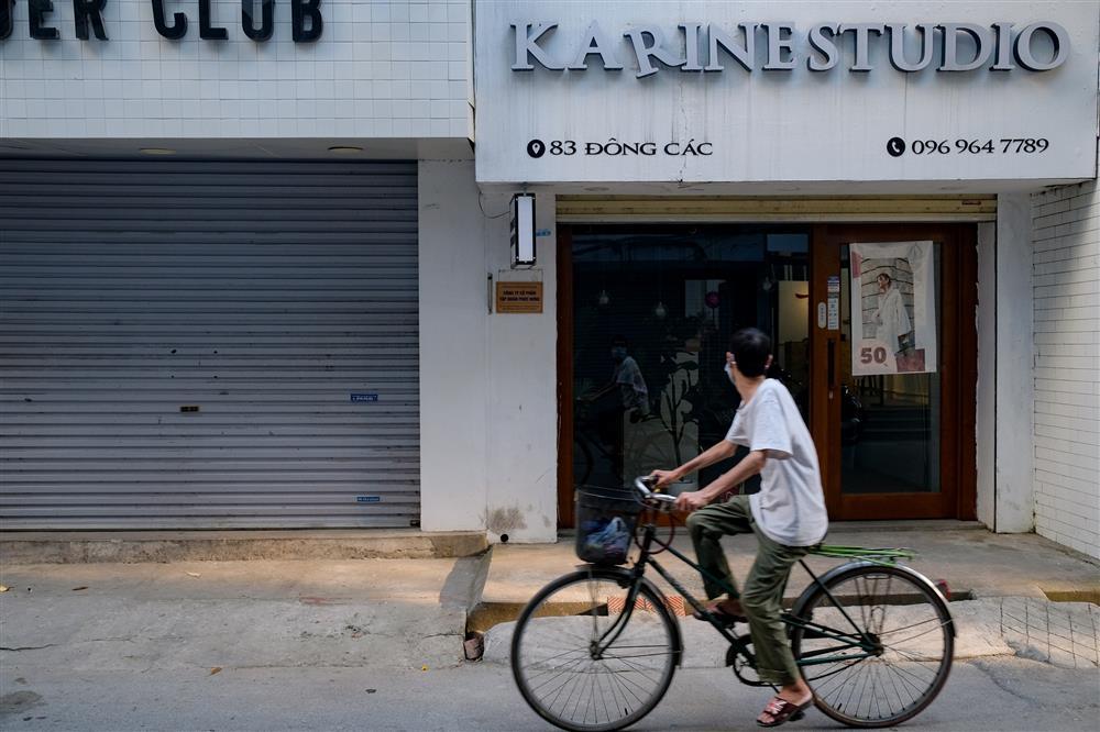 Những con phố thời trang ở Hà Nội: Ngày ế ẩm, tối tắt đèn đi ngủ sớm-10